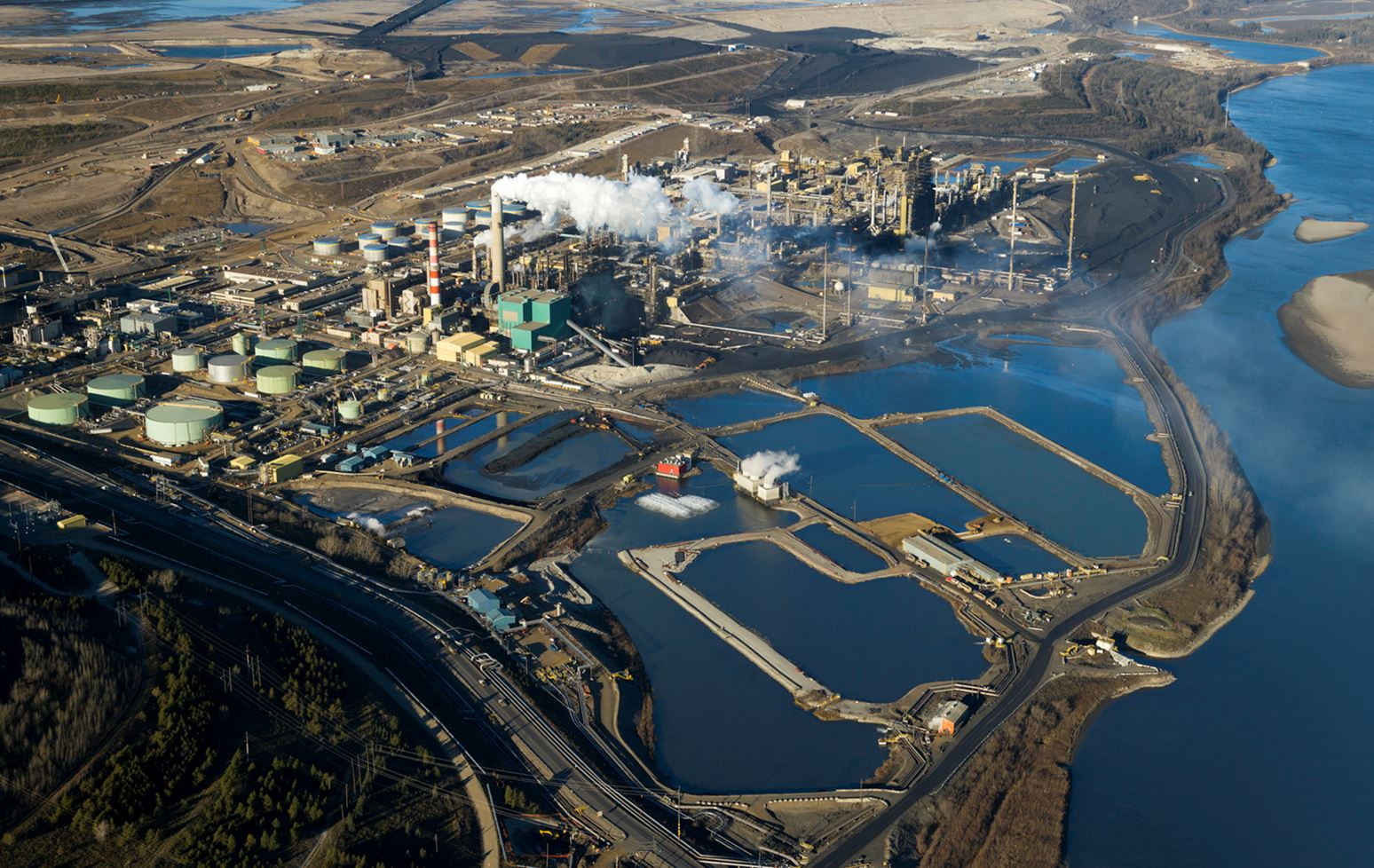 Teaming up to accelerate sustainability-focused innovation in Canada's oil sands