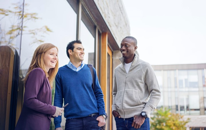 choosing the right mba program Choosing the right mba program is a big challenge, but, we're going to make it easy by giving you 5 key factors to consider when making this life-changing decision once you decide that the next step for you is an mba, then choosing the right mba program becomes a priority.